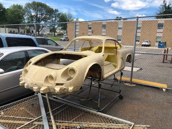 Renault Alpine A110 Body